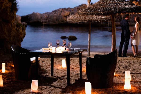 Imagen de una cena romántica en Mallorca