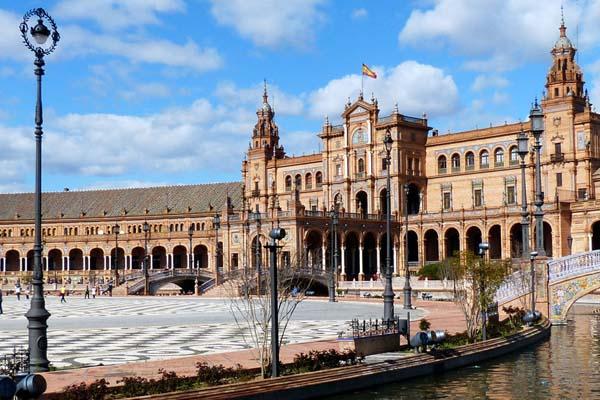 encuentra un hotel equipado con jacuzzi privado también en Andalucía