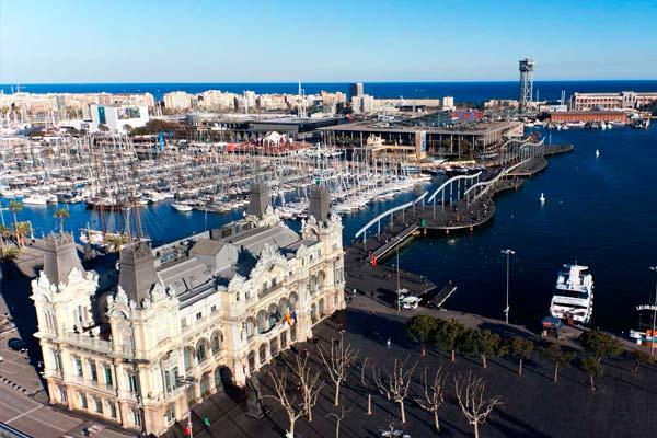 Port Vell de Barcelona, ideal para un paseo romántico